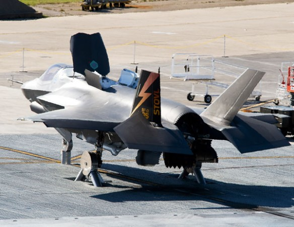 f-35b_hover-pit_testing1