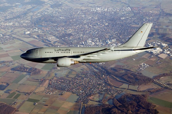 Luftwaffe Airbus A310 MRTT (German Air Force Public Information Office, <a href='http://upload.wikimedia.org/wikipedia/commons/d/d8/Airbus_A310_MRT_MedEvac.jpg'></noscript>Forrás</a>)