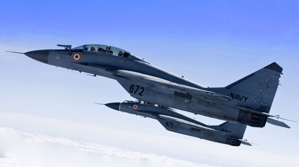 Indian_Navy_MiG-29KUBs