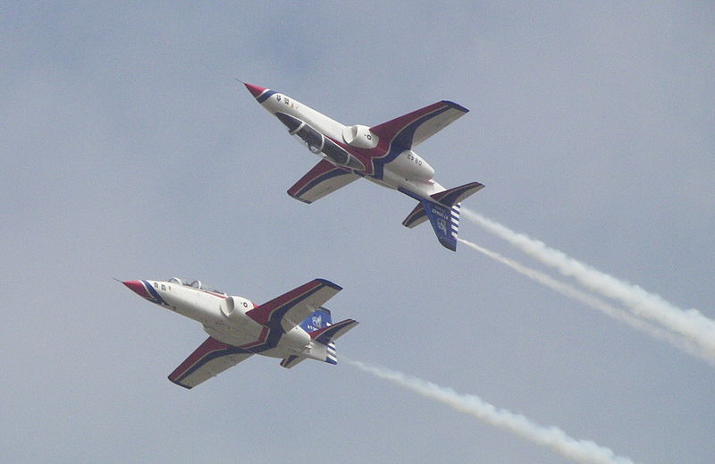 AIDC AT-3 Thunder Tiger Aerobatics